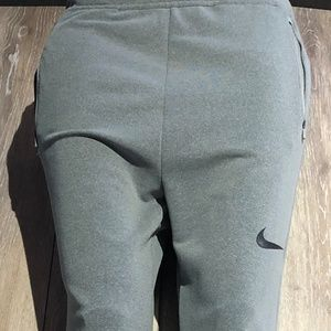 WOMEN'S XLARGE GRAY NIKE DRI-FIT SWEATS